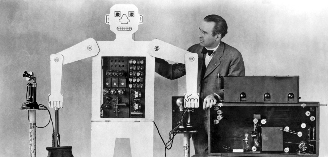 Televox robot assistant telephone worker